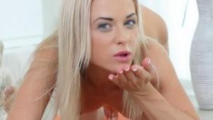 Fun on a Yoga Mat - Fucking a Blonde Babe Deep TmwVRnet Vinna Reed VR Porn video vrporn.com