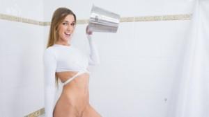 Peeing Alexis CzechVR Fetish Alexis Crystal vr porn video vrporn.com virtual reality